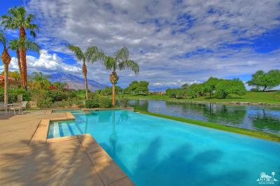 Rancho Mirage Single Family Home For Sale: 402 Loch Lomond Road