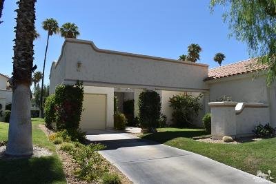 Palm Desert Condo/Townhouse For Sale: 162 Desert Falls Circle