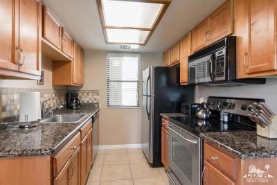 Palm Desert Condo/Townhouse For Sale: 43376 Cook Street #20