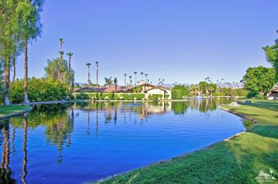The Lakes Country Cl Condo/Townhouse Contingent: 379 North Bouquet Canyon Drive