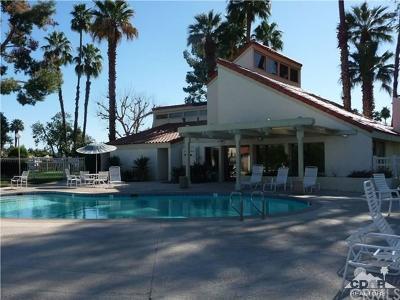 Rancho Mirage Condo/Townhouse For Sale: 69744 Encanto Court