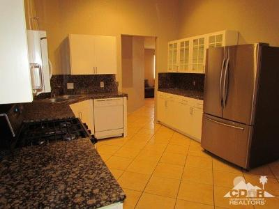 La Quinta Single Family Home Contingent: 51545 Avenida Ramirez