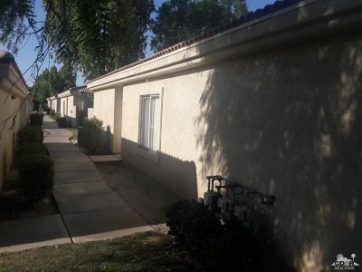 Indio Condo/Townhouse Contingent: 47395 Monroe Street #195