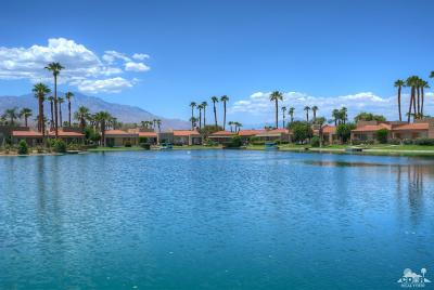 Rancho Mirage Condo/Townhouse For Sale: 90 Lake Shore Drive