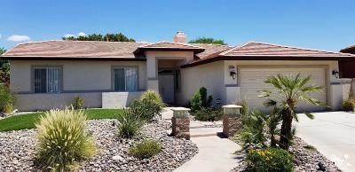 La Quinta Single Family Home Contingent: 45040 Debbie Drive