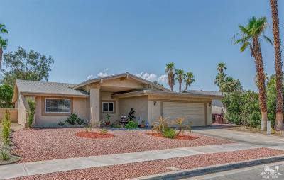 Palm Desert Single Family Home For Sale: 77595 Edinborough Street