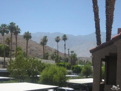 Palm Springs Condo/Townhouse Contingent: 2700 Golf Club Drive #31