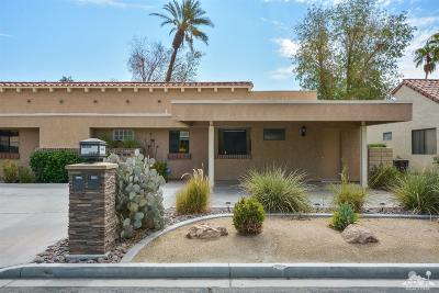 Palm Desert Condo/Townhouse Contingent: 40414 Bay Hill Way