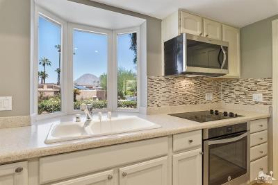 Ironwood Country Clu Condo/Townhouse Contingent: 73510 Encelia Place