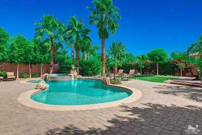 La Quinta Single Family Home Contingent: 80350 Via Castellana