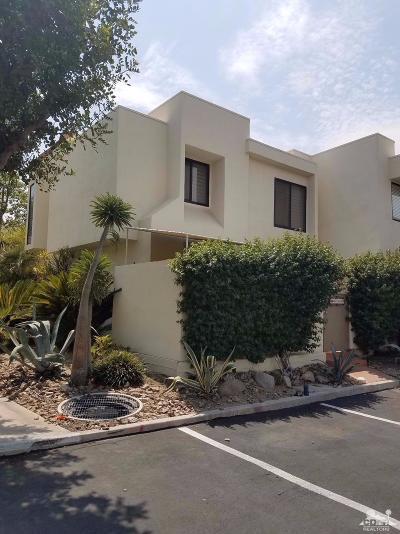 Palm Desert Condo/Townhouse Contingent: 48718 Desert Flower Drive