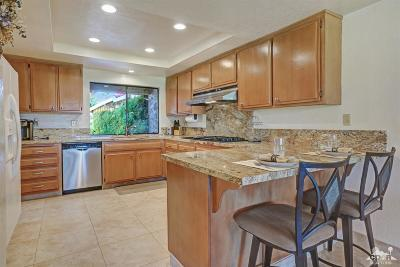 Palm Desert Condo/Townhouse For Sale: 94 Presidio Place