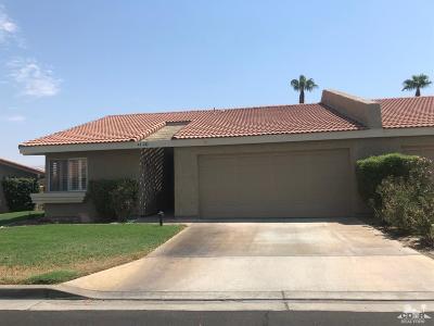 La Quinta Condo/Townhouse For Sale: 44380 East Sundown Crest Drive