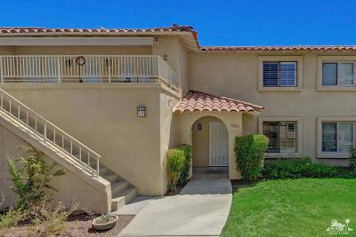 Palm Desert Condo/Townhouse For Sale: 72855 Don Larson Lane