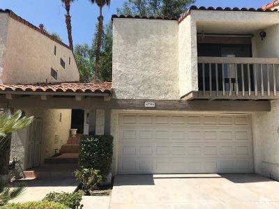 Palm Desert Condo/Townhouse For Sale: 45304 Driftwood Drive