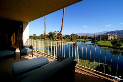 Rancho Mirage Condo/Townhouse For Sale: 910 Island Drive #401