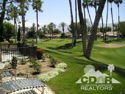 Palm Desert Condo/Townhouse For Sale: 193 Seville Circle