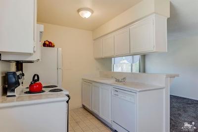 Palm Desert Condo/Townhouse For Sale: 72670 Thrush Road #4