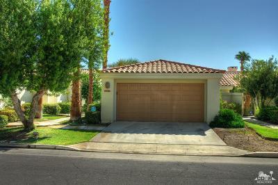 La Quinta Condo/Townhouse For Sale: 54924 Shoal Creek