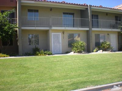 Palm Desert Condo/Townhouse For Sale: 294 Tava Lane