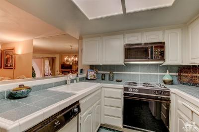 Palm Springs CA Condo/Townhouse For Sale: $194,000