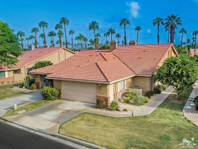 Palm Desert Condo/Townhouse For Sale: 80 Conejo Circle
