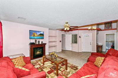 Cathedral City Single Family Home Contingent: 30800 Avenida Del Yermo