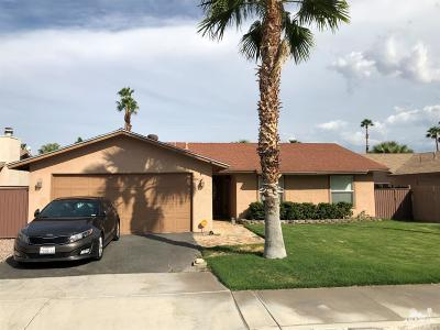 Cathedral City Single Family Home Contingent: 31580 Avenida Valdez