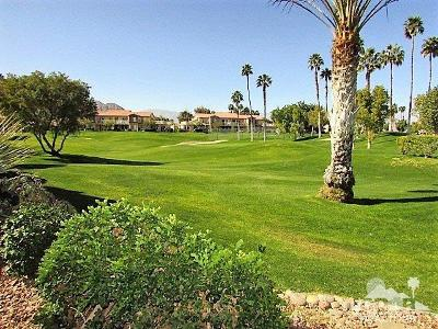 Palm Valley CC, Palm Royale, Rancho La Quinta CC, PGA Palmer Private, Santa Rosa Cove Coun, BDCC Country, Laguna De La Paz, Duna La Quinta, Oasis Country Club, The Hideaway, Indian Ridge, Ironwood Country Clu, Vintage Country Club Condo/Townhouse For Sale: 78451 Magenta Drive
