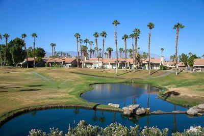 Palm Desert Condo/Townhouse For Sale: 38849 Wisteria Drive