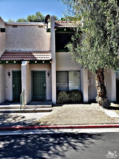 Cathedral City Condo/Townhouse For Sale: 86 Lakeview Circle