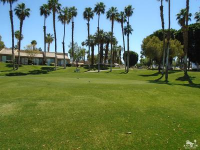 Palm Valley CC, Palm Royale, Rancho La Quinta CC, PGA Palmer Private, Santa Rosa Cove Coun, BDCC Country, Laguna De La Paz, Duna La Quinta, Oasis Country Club, The Hideaway, Indian Ridge, Ironwood Country Clu, Vintage Country Club Condo/Townhouse For Sale: 76495 Daffodil Drive