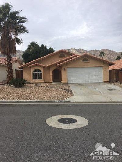 La Quinta Single Family Home For Sale: 53365 Avenida Villa