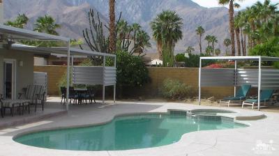 Palm Springs Single Family Home For Sale: 1390 E Luna Way