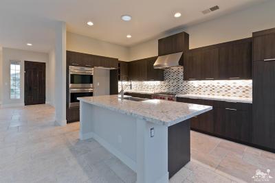 La Quinta Single Family Home For Sale: 79894 Parkway Esplanade North