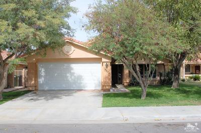 La Quinta Single Family Home Contingent: 78290 Winter Cove Court