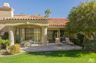 La Quinta Condo/Townhouse For Sale: 54623 Riviera