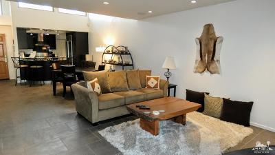 Palm Desert Condo/Townhouse For Sale: 48998 Sunny Summit Lane