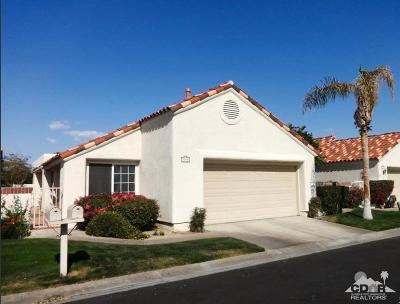 Desert Breezes Single Family Home For Sale: 77694 Calle Las Brisas North