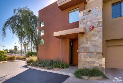 Palm Springs Condo/Townhouse For Sale: 1010 East Palm Canyon Drive #204