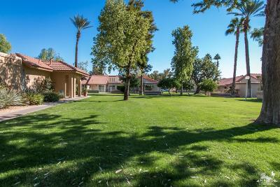 Indio Condo/Townhouse Contingent: 49216 Russell Lane