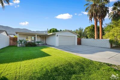 La Quinta Single Family Home For Sale: 52105 Avenida Villa