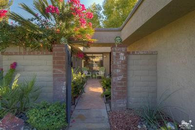 Palm Springs Condo/Townhouse For Sale: 3020 Calle Loreto