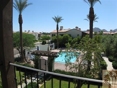 La Quinta Condo/Townhouse For Sale: 48621 Classic Drive