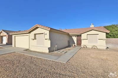 La Quinta CA Single Family Home For Sale: $345,000