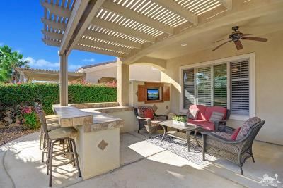 Sun City Shadow Hills Single Family Home Contingent: 40568 Calle Galisteo