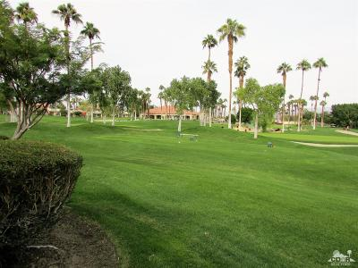 Palm Valley CC, Palm Royale, Rancho La Quinta CC, PGA Palmer Private, Santa Rosa Cove Coun, BDCC Country, Laguna De La Paz, Duna La Quinta, Oasis Country Club, The Hideaway, Indian Ridge, Ironwood Country Clu, Vintage Country Club Condo/Townhouse For Sale: 78299 Scarlet Court