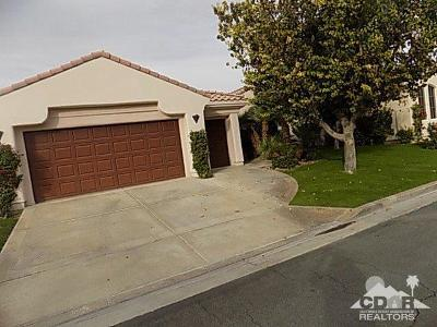 La Quinta CA Single Family Home For Sale: $700,000