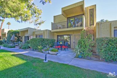 Palm Springs Condo/Townhouse For Sale: 5302 Los Coyotes Drive