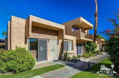 Palm Springs Condo/Townhouse For Sale: 2165 Los Patos Drive